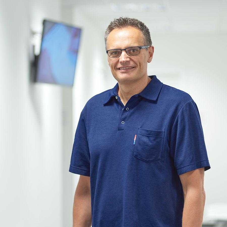 Dr. Helmuth Volgger